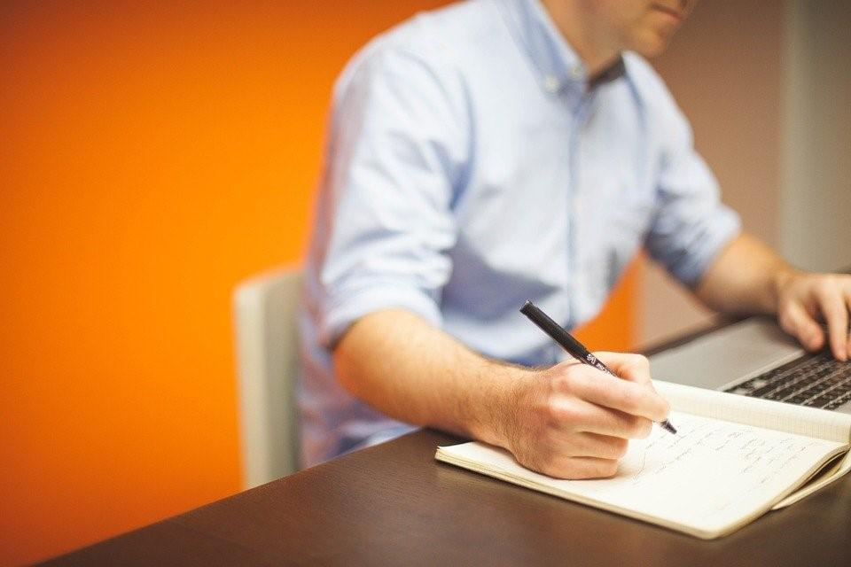 Comment devenir un travailleur indépendant à domicile ?